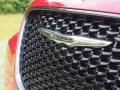 2016-Chrysler-300S-Grille-02