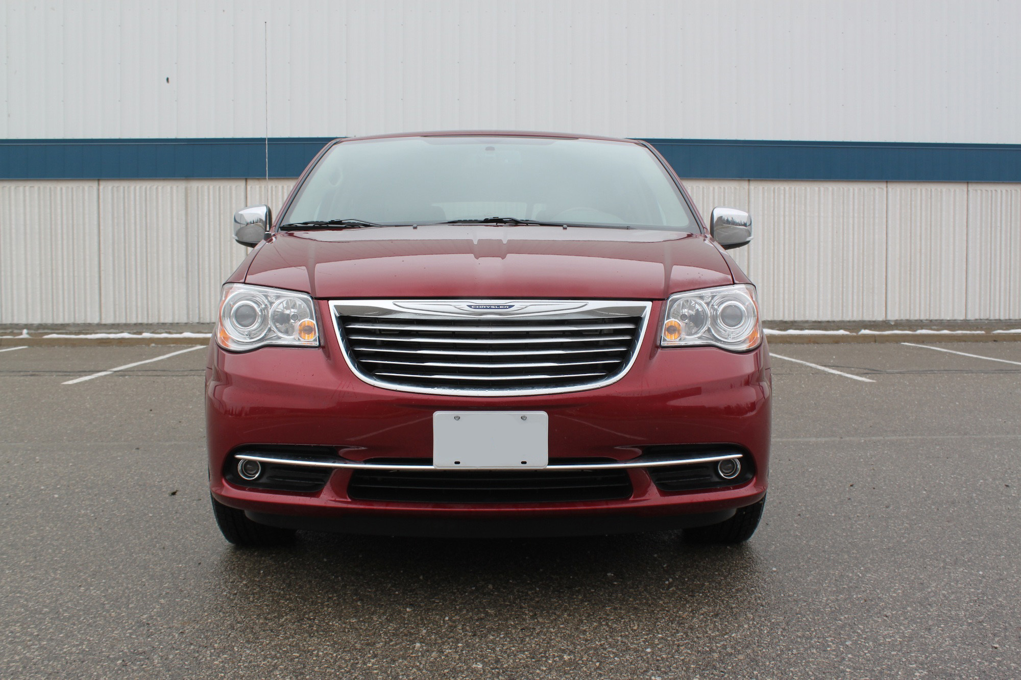 2016 Chrysler Town and Country Review AutoGuide News
