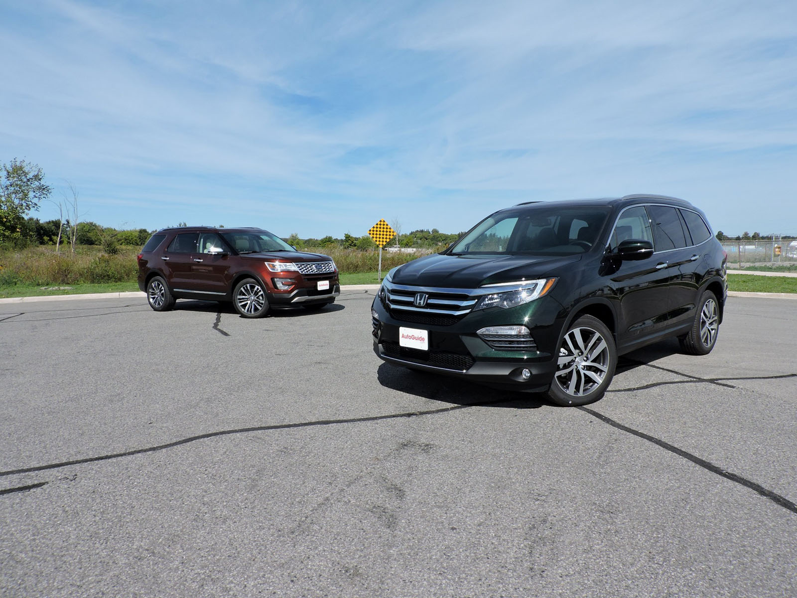 2016-Ford-Explorer-vs-2016-Honda-Pilot-03.JPG