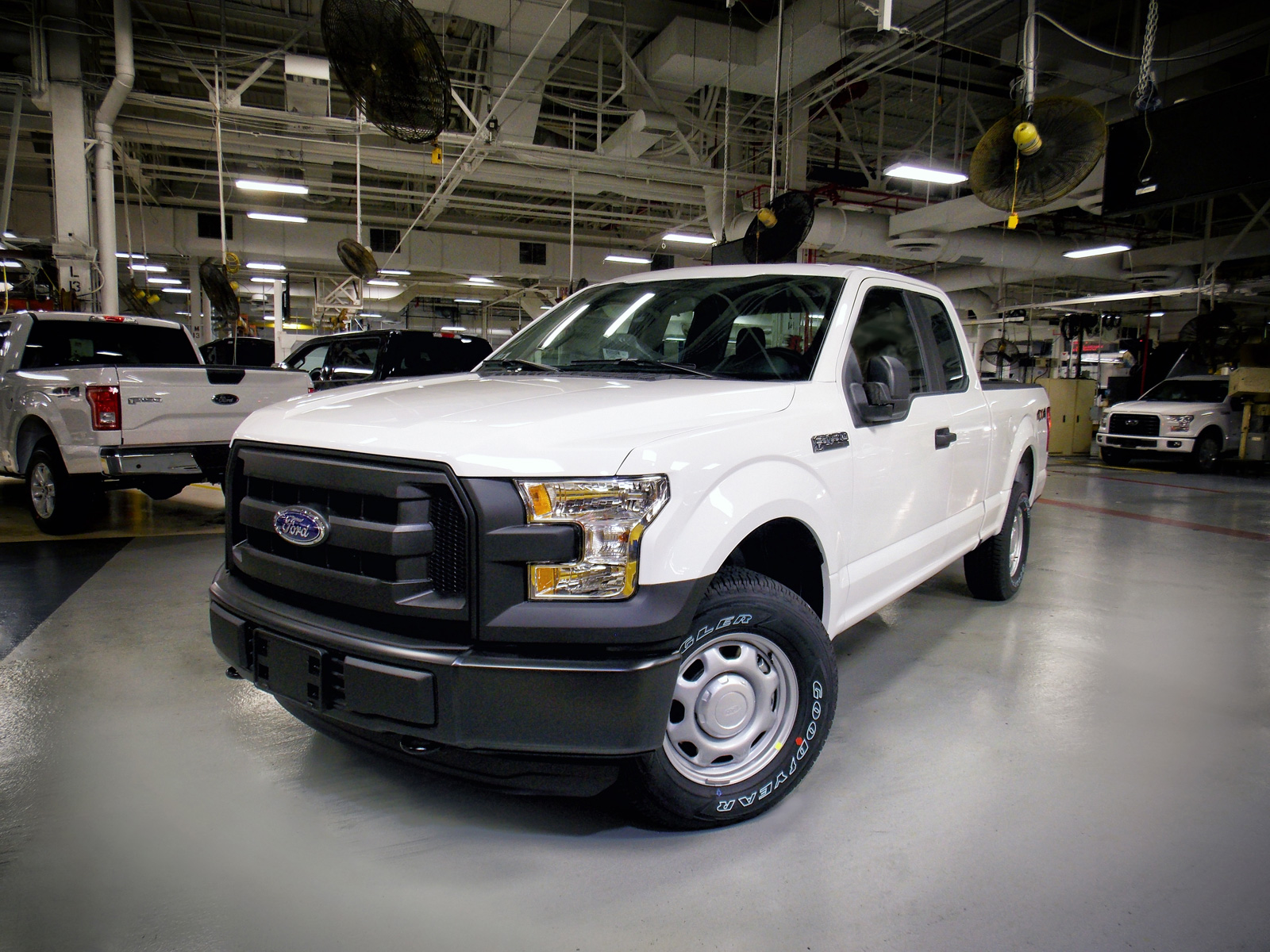 2016 Ford F-150 Rolls Off The Line ...