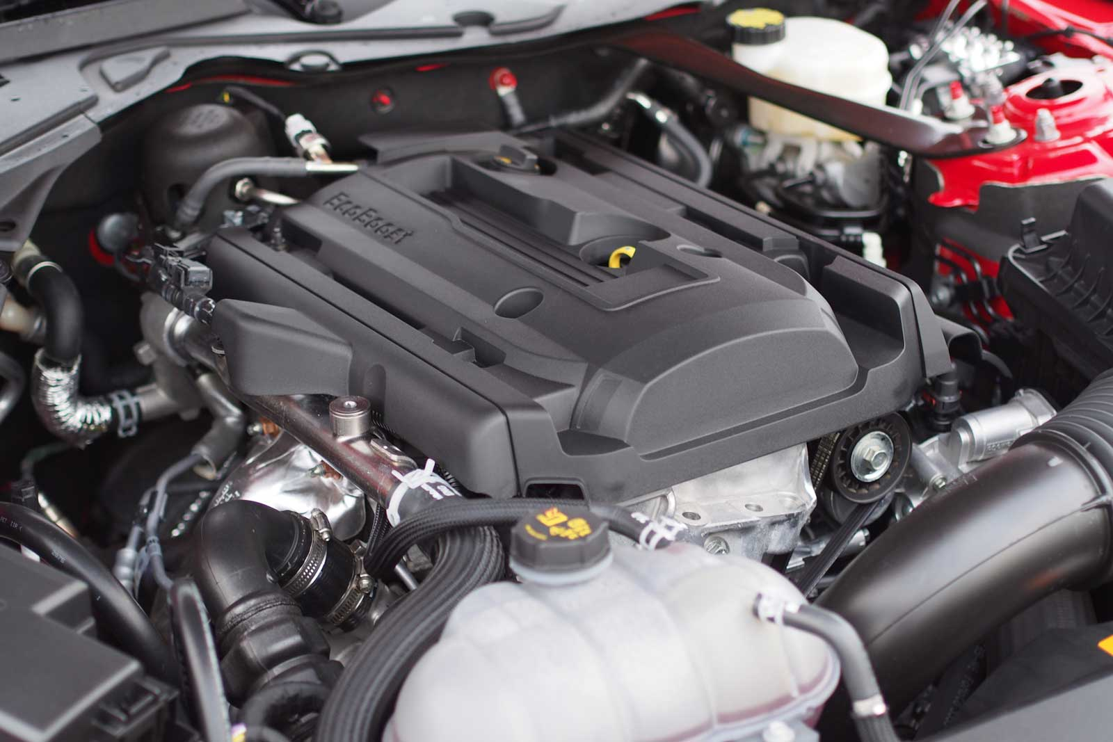 2016 ford mustang ecoboost engine 01