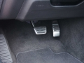 2016-Ford-Mustang-EcoBoost-Pedals