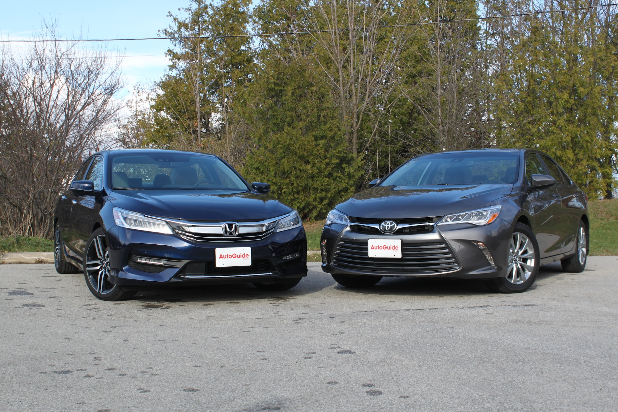 Accord Vs Camry >> 2016 Honda Accord Vs 2016 Toyota Camry Autoguide Com