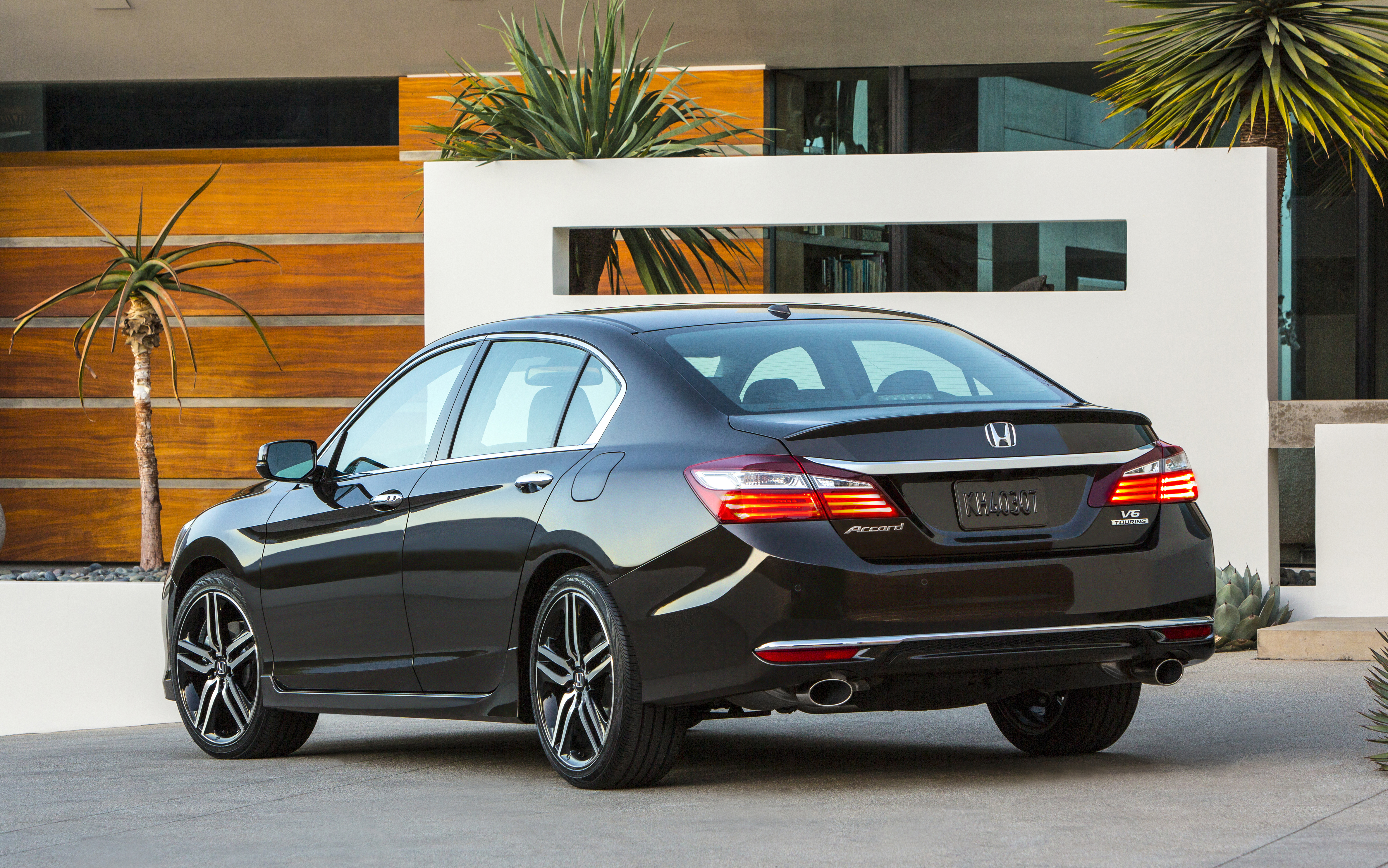 2016 Honda Accord Filled With New Technology AutoGuide News