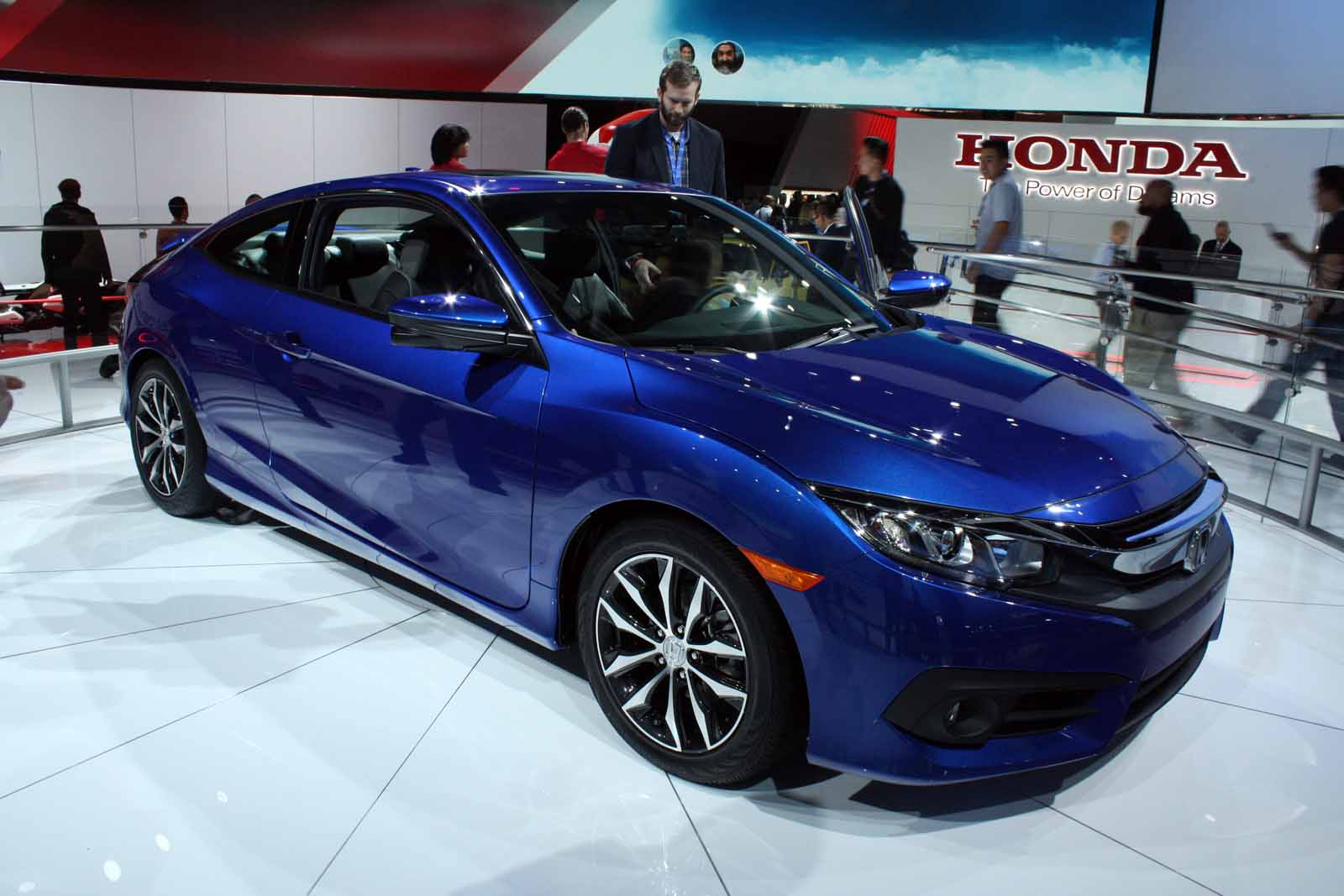 2016 honda civic coupe brings sexy back news for Honda civic 20017