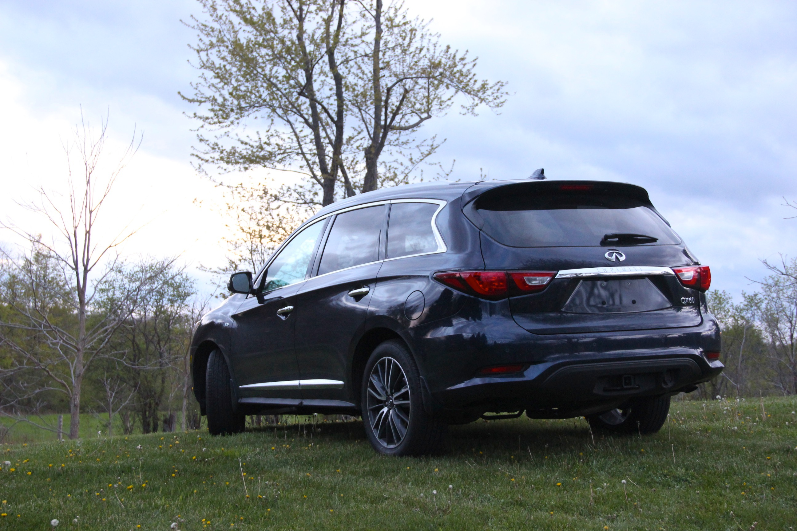 review family infiniti awd spacious suv the infinity refined hauler