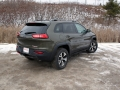 2016-Jeep-Cherokee-Trailhawk-Review-16