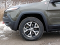 2016-Jeep-Cherokee-Trailhawk-Review-21