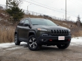2016-Jeep-Cherokee-Trailhawk-Review-29