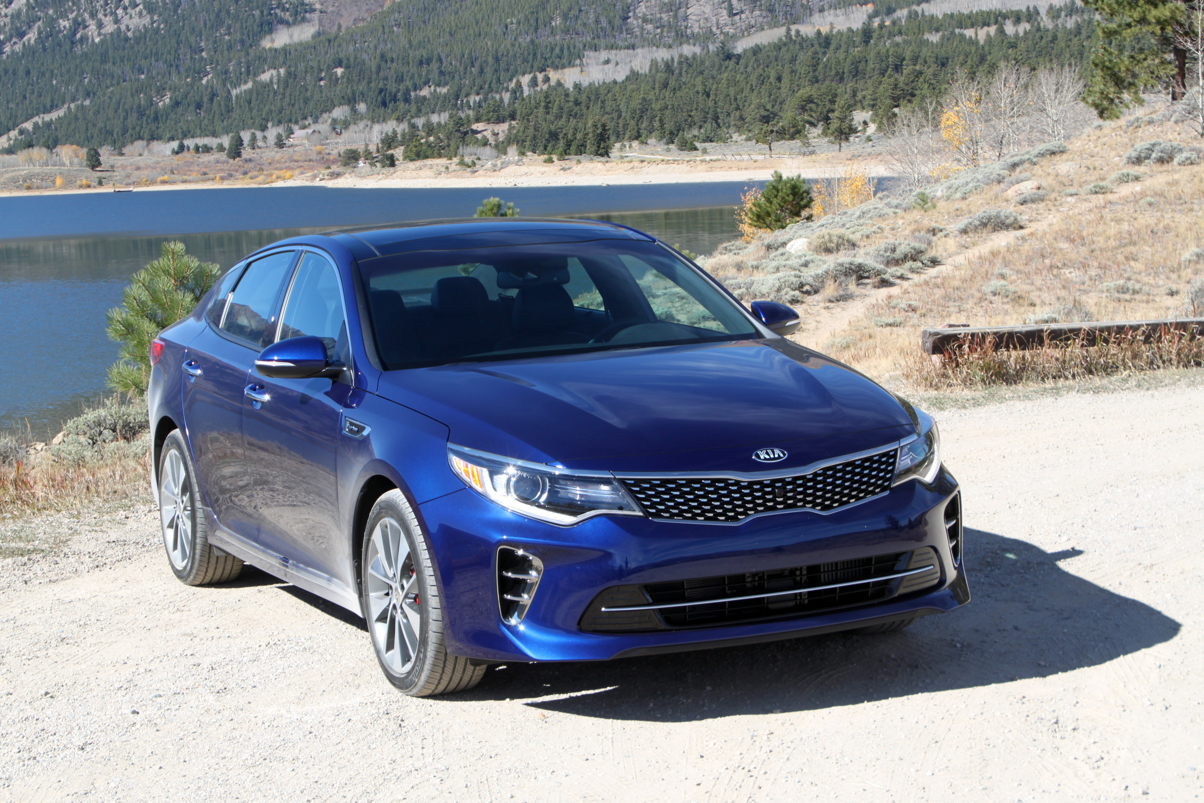 Used Car Loan >> 2016 Kia Optima Review - AutoGuide.com