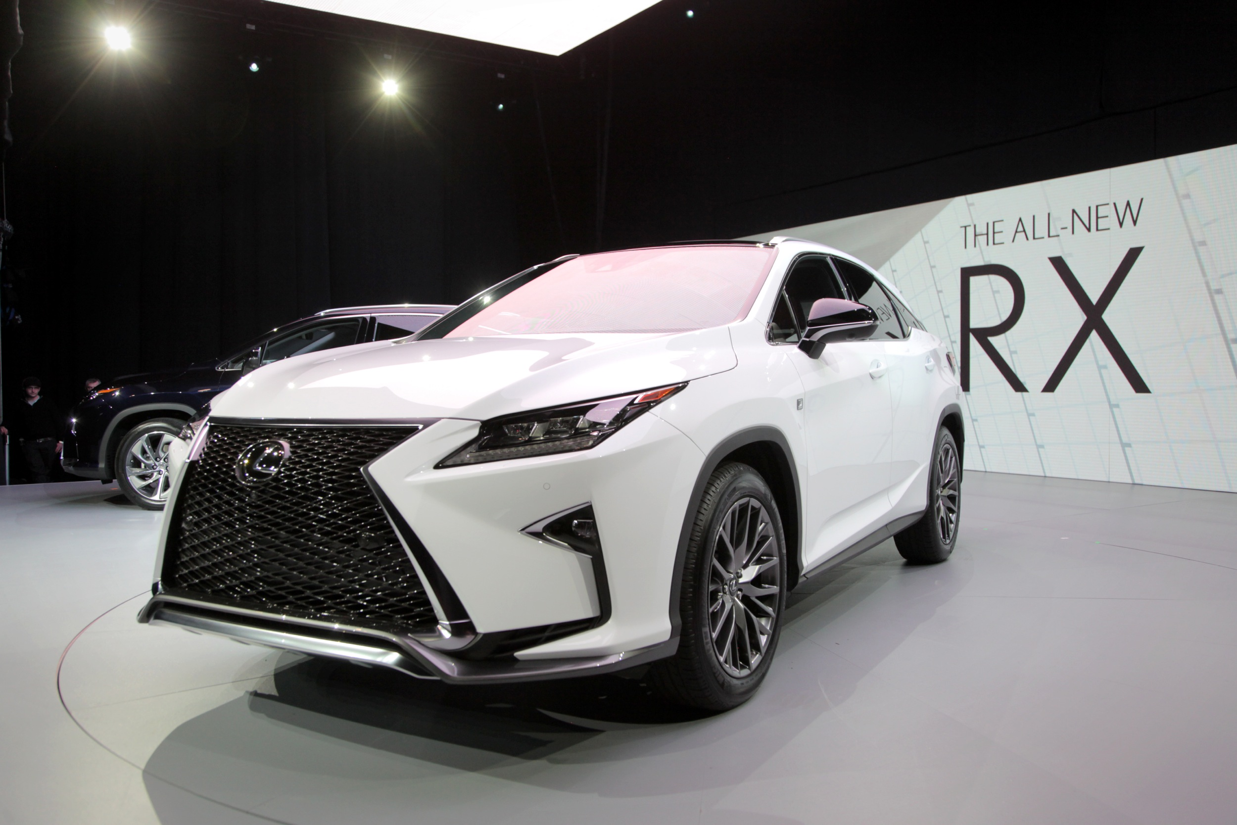 2016 Lexus Rx Gets New Face Gutsier Engines 187 Autoguide