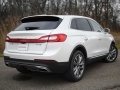 2016-Lincoln-MKX-Rear-01