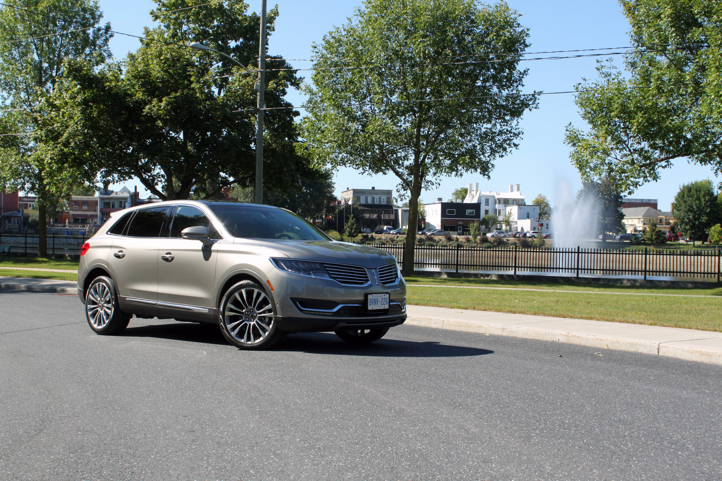 2016 Lincoln MKX Review AutoGuide News