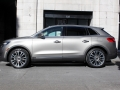 2016-Lincoln-MKX-Review-37