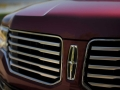 2016-Lincoln-Navigator-Grille-01