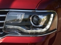 2016-Lincoln-Navigator-Headlight-01