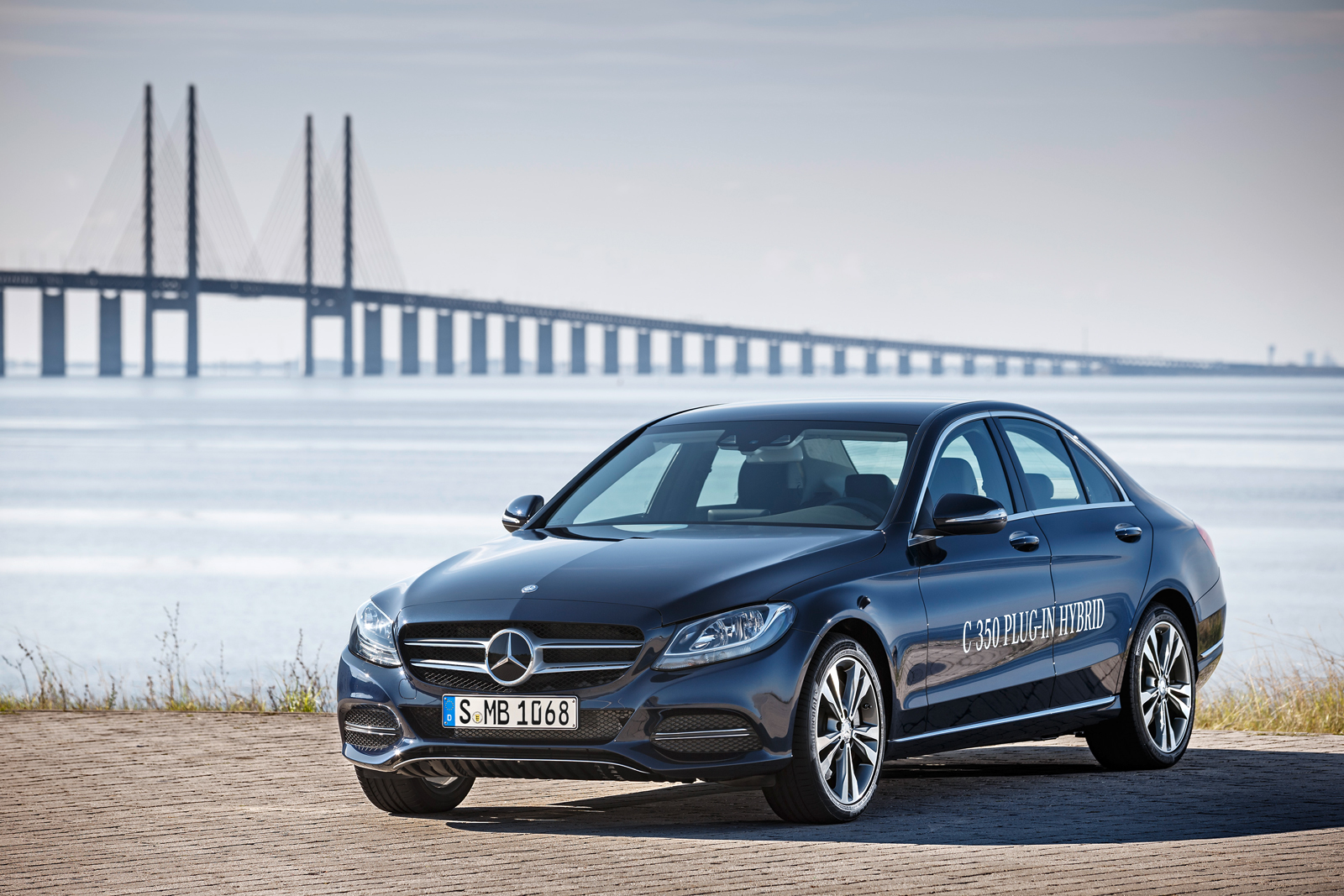 2016 mercedes c class adds diesel plug in hybrid models for Average insurance cost for mercedes benz c300