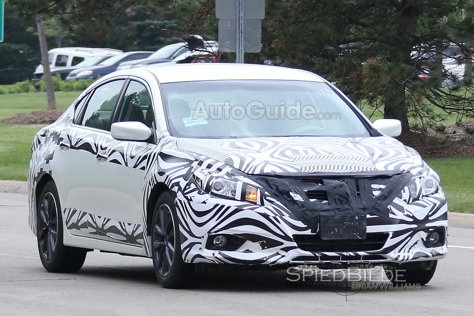2016 Nissan Altima Faclift Spotted Testing