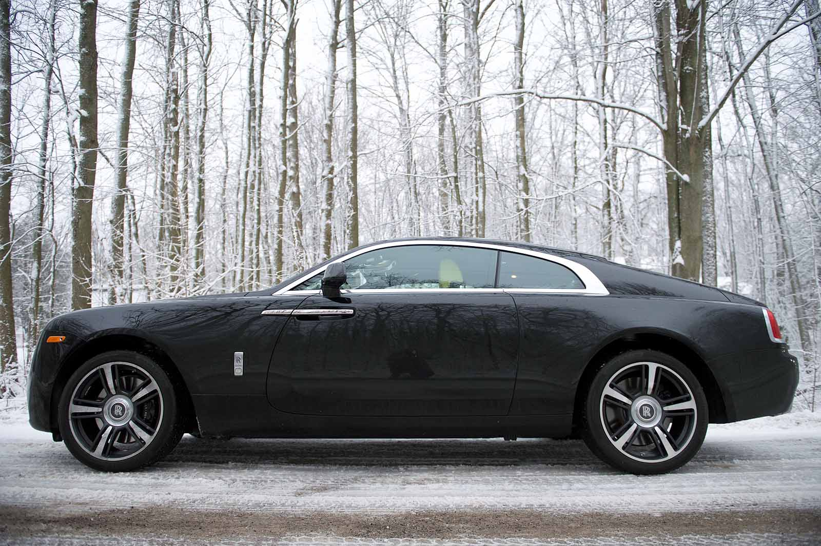 9 things i learned driving the 2016 rolls royce wraith autos post. Black Bedroom Furniture Sets. Home Design Ideas