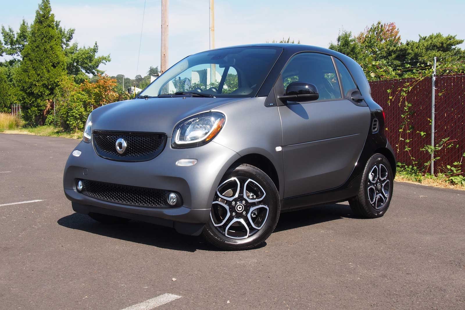 2016 Smart Fortwo Front Three Quarter 02