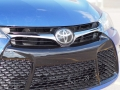 2016-Toyota-Camry-Grille-02