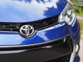 2016-Toyota-Corolla-Grille-01