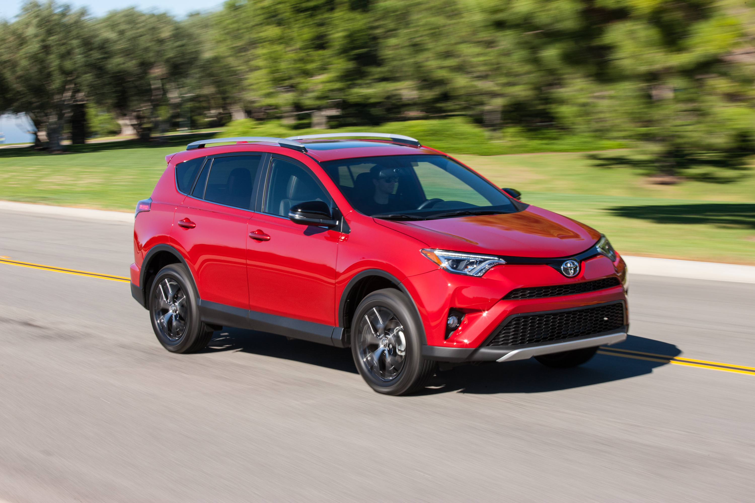 2016 toyota rav4 se review news. Black Bedroom Furniture Sets. Home Design Ideas