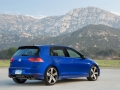 2016 Volkswagen Golf R Review-25