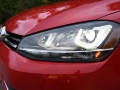 2016-Volkswagen-Golf-SportWagen-Headlight