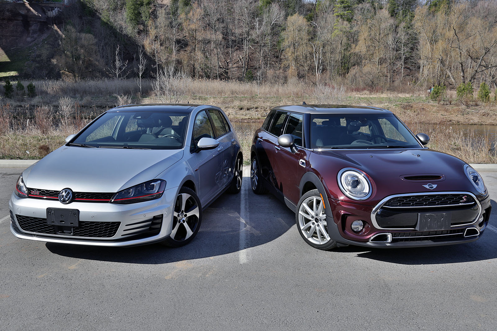 2016 mini cooper s clubman vs volkswagen gti. Black Bedroom Furniture Sets. Home Design Ideas