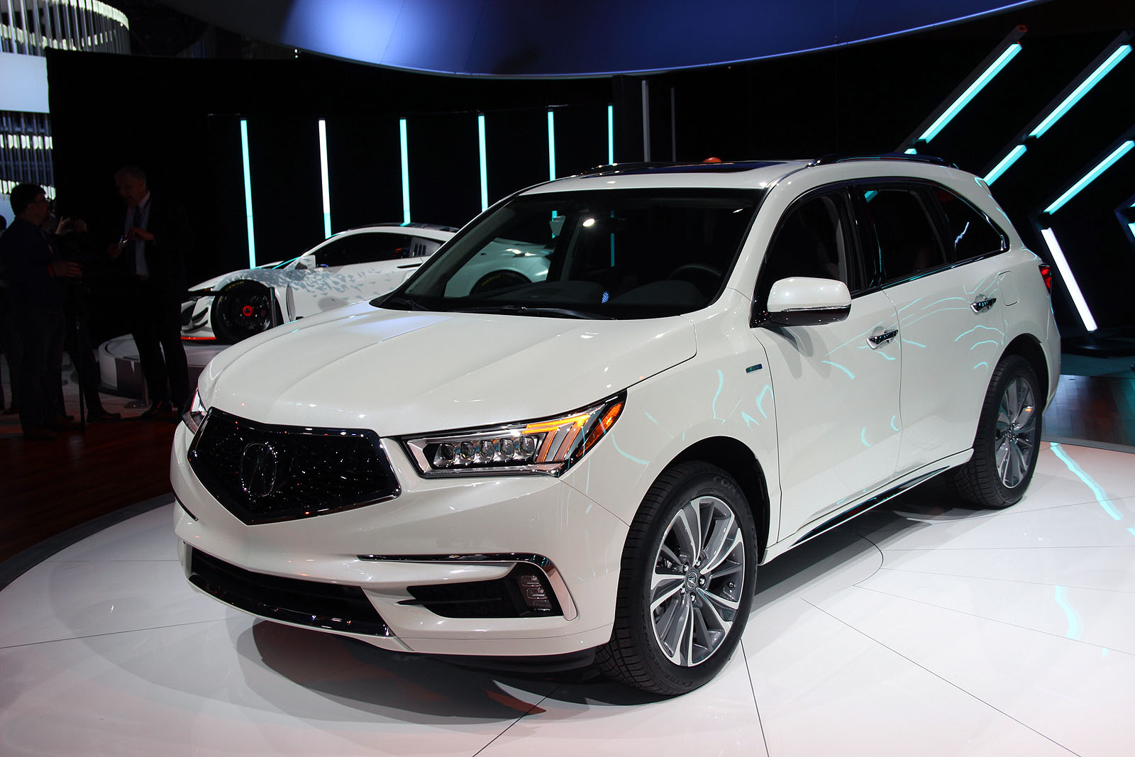 2017 Acura Mdx Gains New Face Tech And Power 187 Autoguide