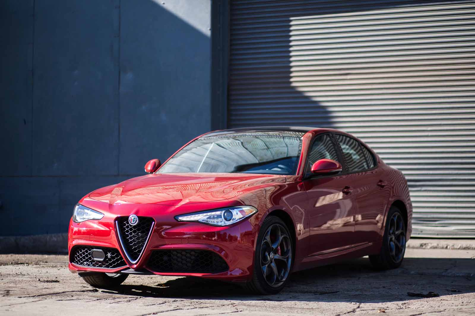 2017 alfa romeo giulia review news. Black Bedroom Furniture Sets. Home Design Ideas