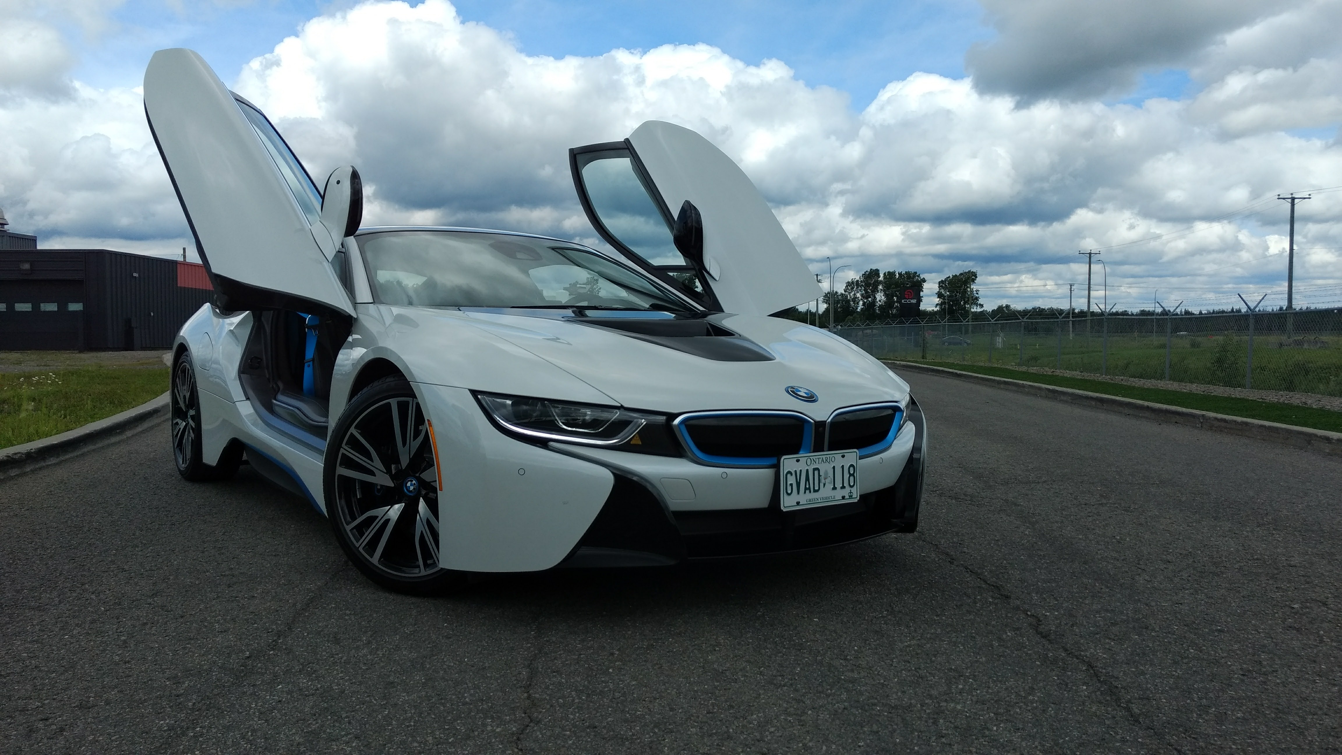 2017 bmw i8 review news. Black Bedroom Furniture Sets. Home Design Ideas