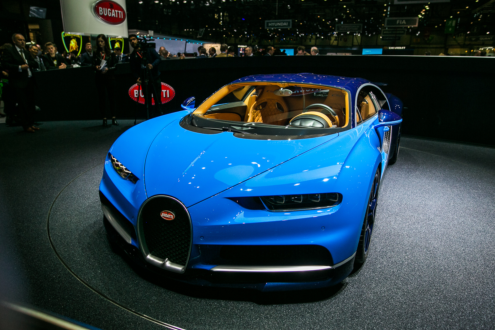Bugatti Chiron Is The First Production Car To Make 1500 Hp 187 Autoguide Com News