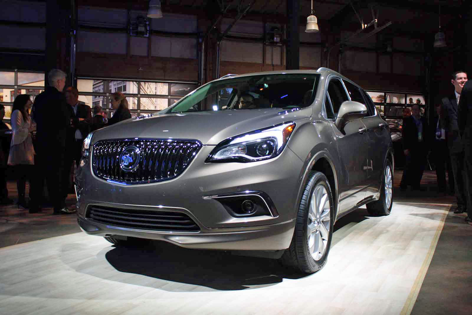 Made In China Buick Envision Cuv Makes Its American Debut