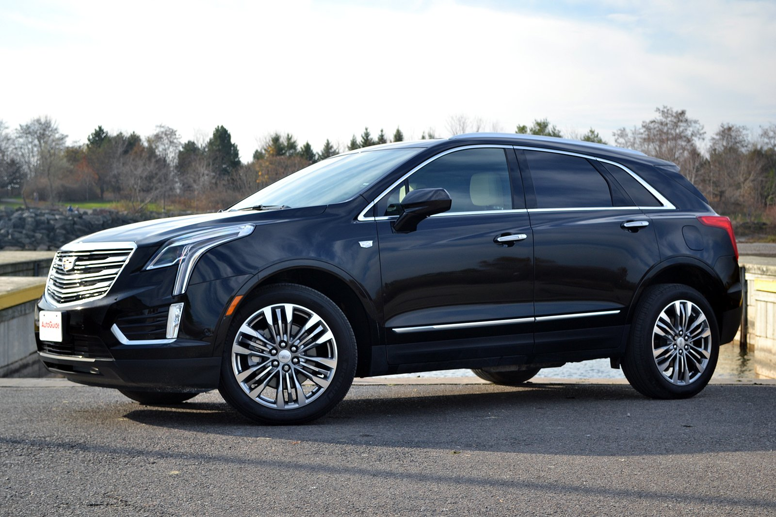 2017 cadillac xt5 premium luxury review autoguide com