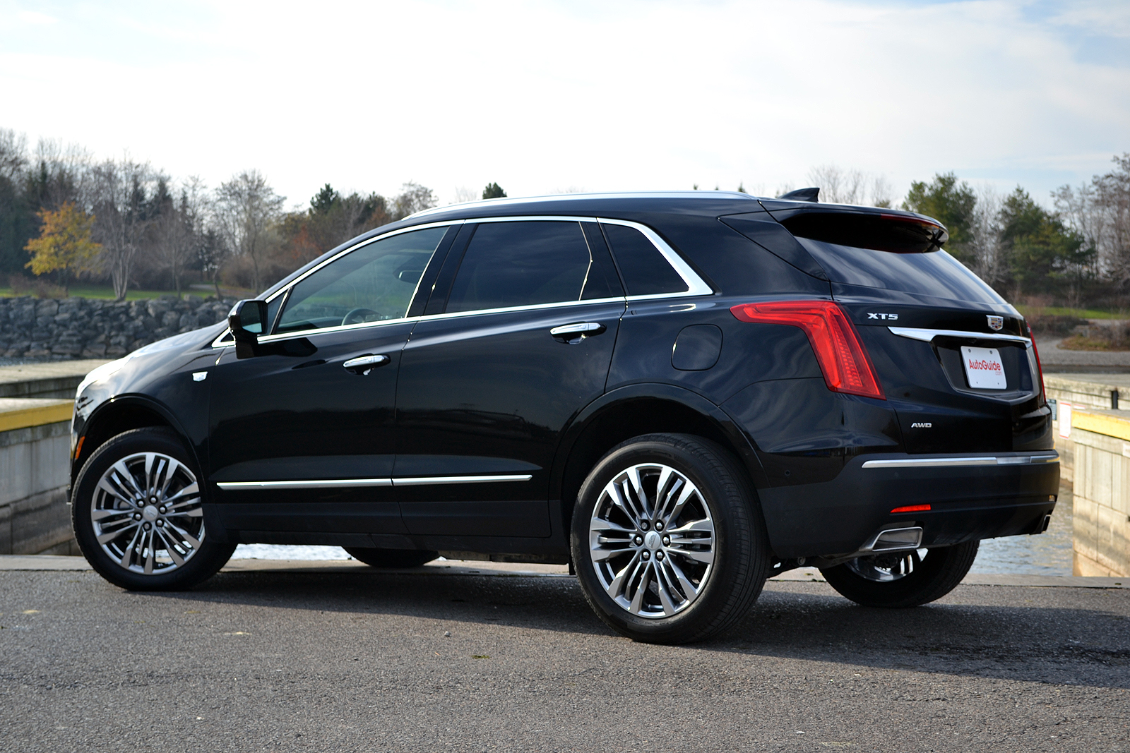2017 cadillac xt5 luxury 74039 vizualize. Black Bedroom Furniture Sets. Home Design Ideas