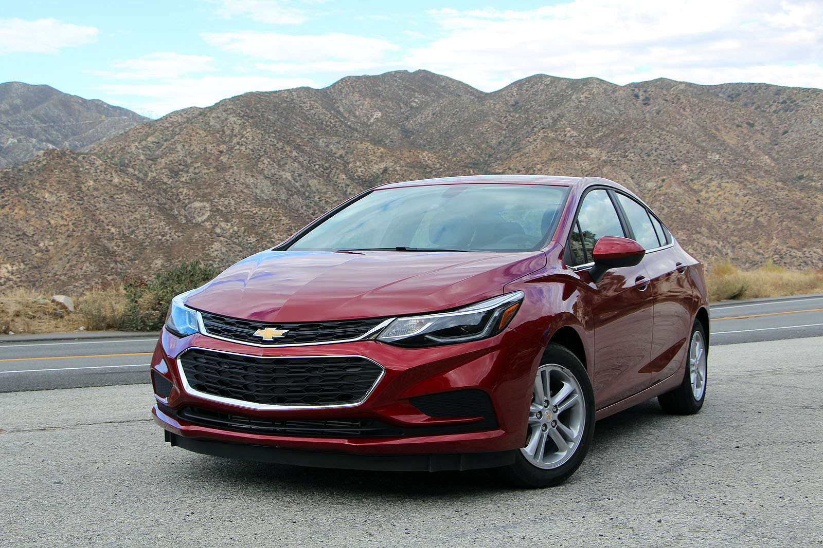 2017 chevrolet cruze car of the year contender news. Black Bedroom Furniture Sets. Home Design Ideas