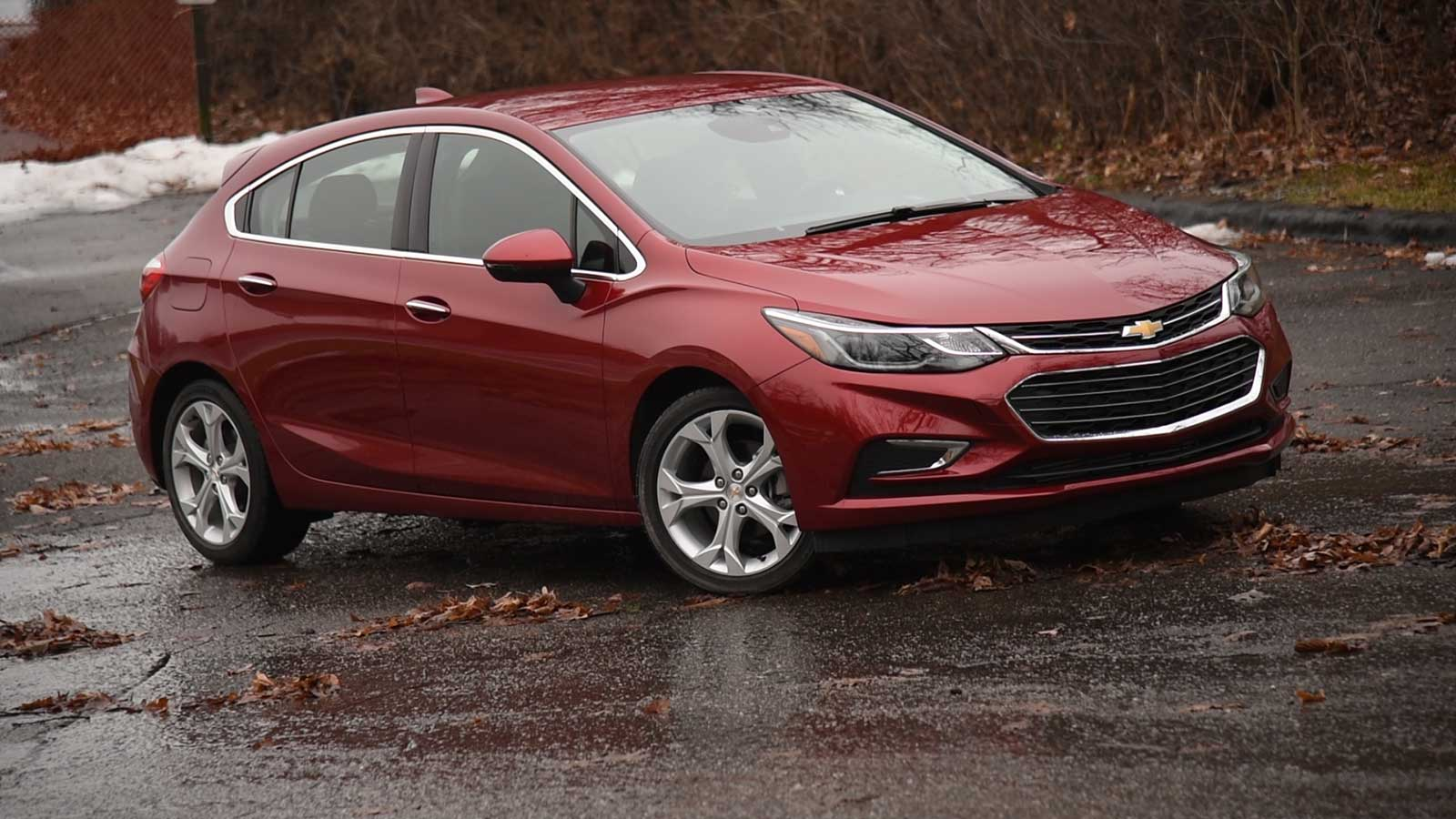 2017 Chevrolet Cruze Hatchback Premier Review: Curbed with ...