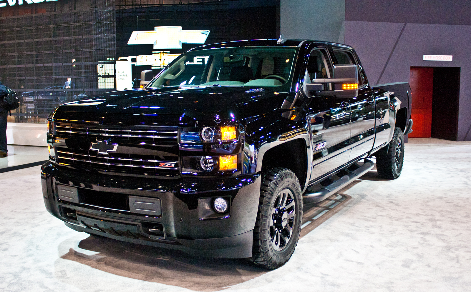 2017 chevy silverado 1500 midnight edition. Black Bedroom Furniture Sets. Home Design Ideas
