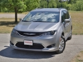 2016 Chrysler Pacifica-02