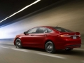 2017-Ford-Fusion-Side-01