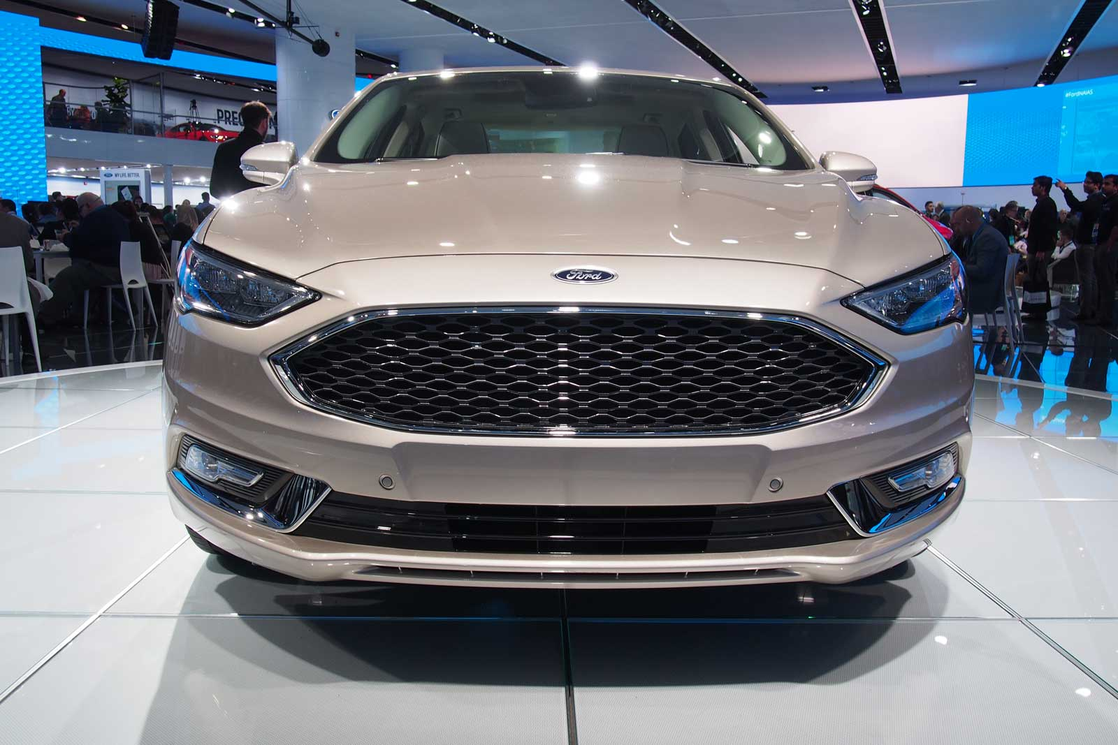 2017 ford fusion gets new look gains 325 hp sport model news. Black Bedroom Furniture Sets. Home Design Ideas