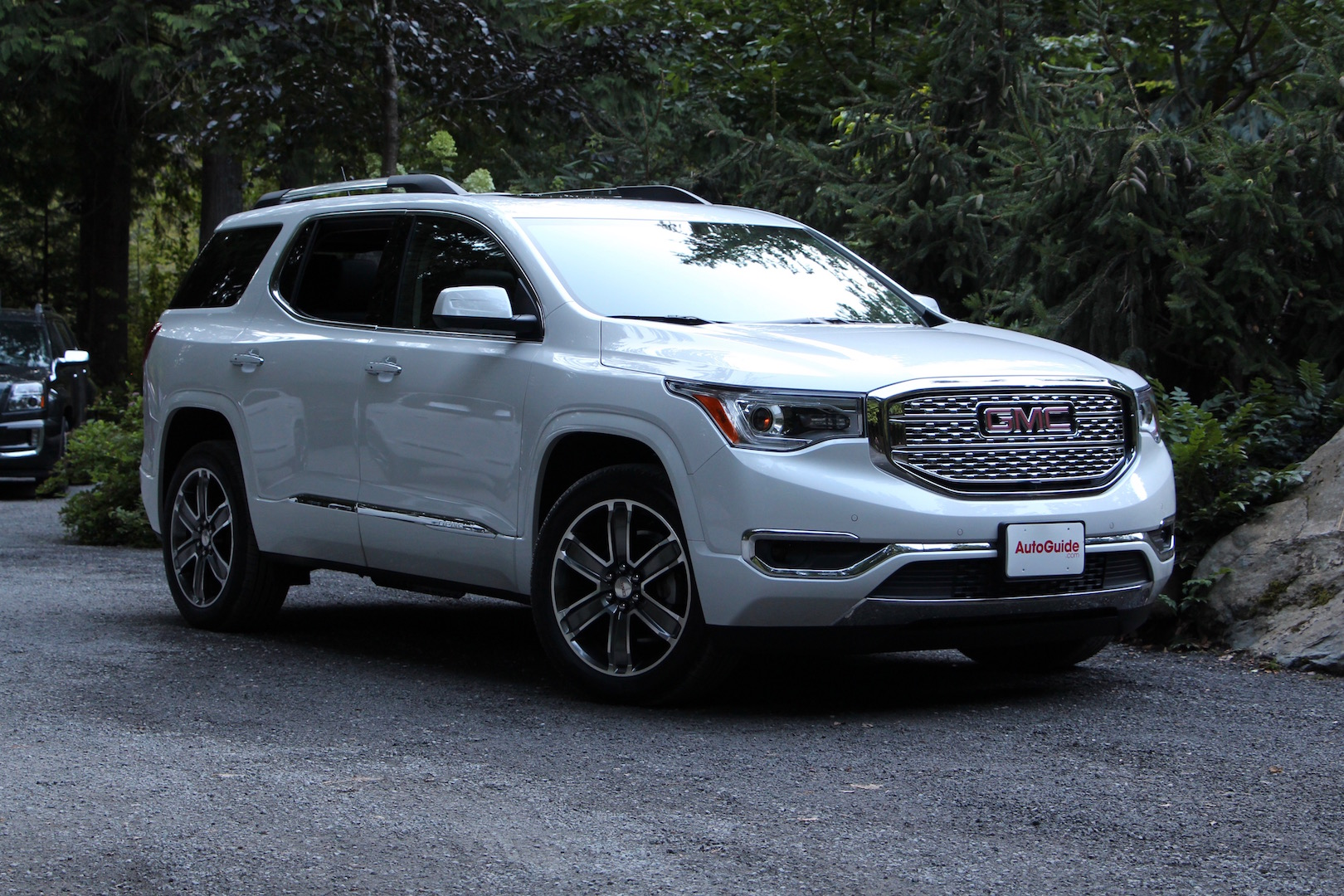 2017 Gmc Acadia Review Autoguide Com