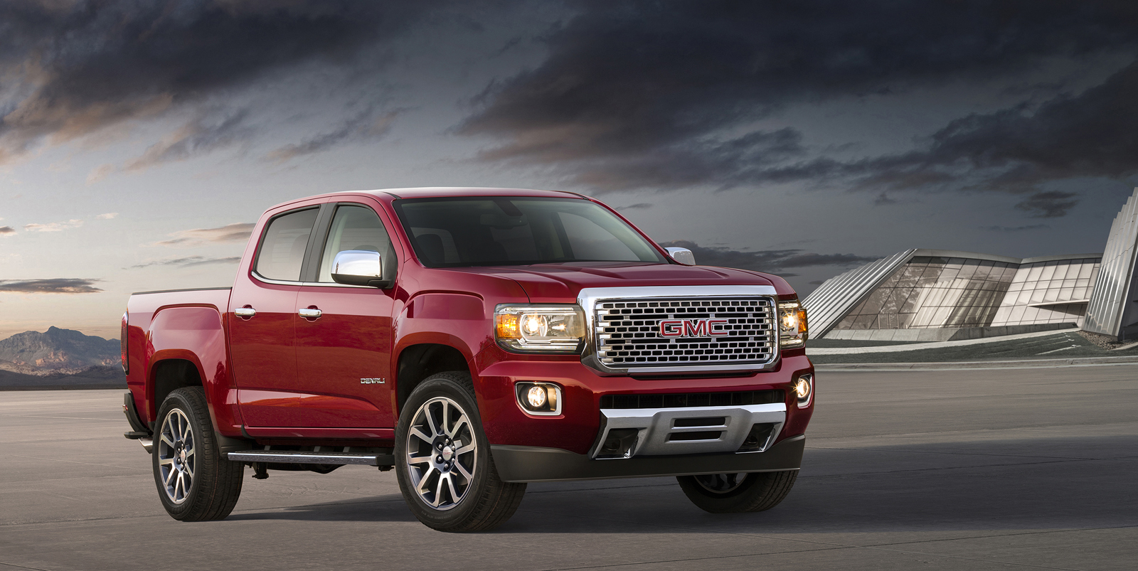 2017 Gmc Canyon Denali Puts Lux In A Small Truck