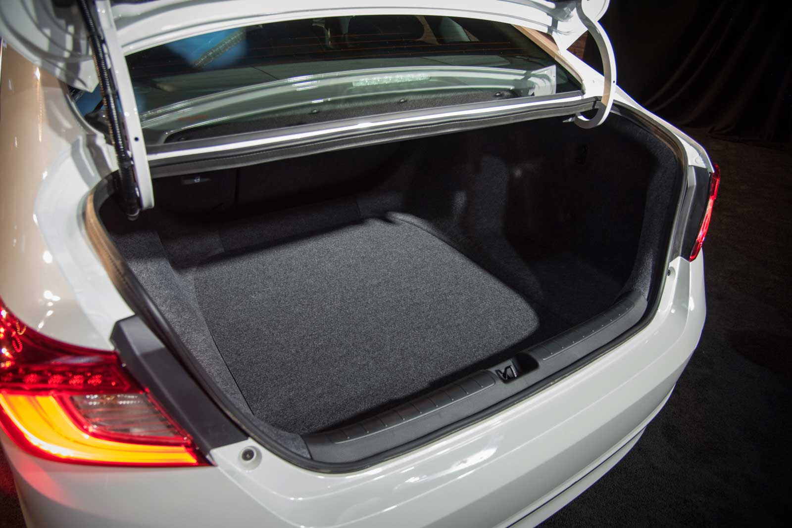2018 honda accord trunk