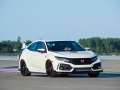 2017-honda-civic-type-r-14