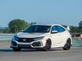 2017-honda-civic-type-r-15