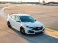 2017-honda-civic-type-r-33