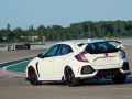 2017-honda-civic-type-r-36